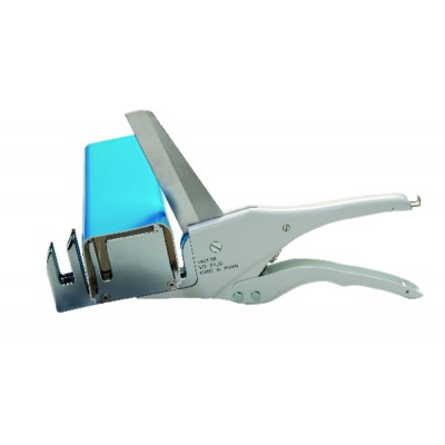 Cable duct cutting clamp